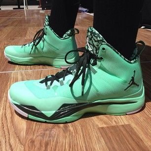 Jordan Superfly 2 Green Glow √