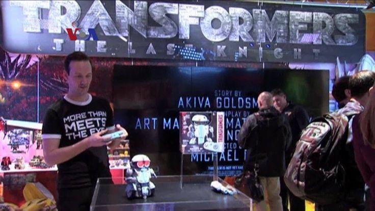 Seri film fiksi ilmiah Star Wars ikut mendongkrak pemasukan industri mainan, termasuk pemain terbesar seperti Hasbro, Mattel, dan Lego. Masing-masing mendapat lisensi untuk memproduksi mainan 'tie-in' termasuk mainan tokoh-tokoh, pesawat antariksa, serta peralatan futuristik.  Di YouTube: https://youtu.be/-9XOKAD1X1U