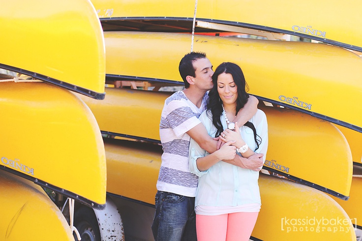 engagement photography :: pose :: canoes