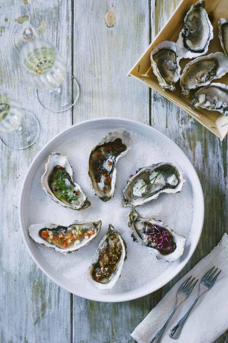 Le ostriche ai sei gusti sono un antipasto di altissimo livello, per bontà e presentazione: semplicissime da fare, sono un'idea da non perdere!