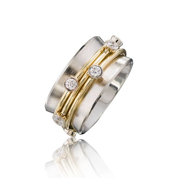 Jewelry- max ring