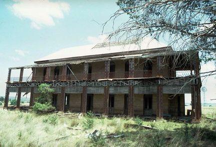 Glengallan Homestead 1982 near Warwick & Allora QLD.  by rasker_44, via Flickr