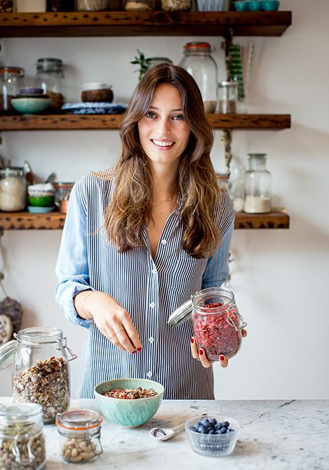 DELICIOUSLY ELLA'S CINNAMON AND BANANA OVERNIGHT OATS