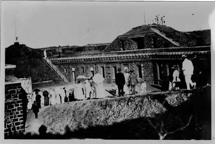 Fort Klapperkop 1900 Louis Botha during inspection
