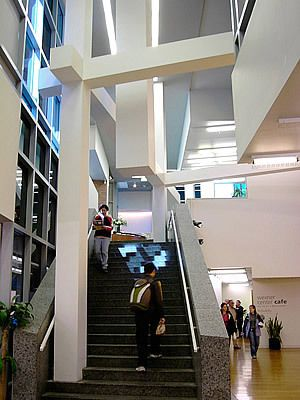 Wexner Center Atrium Staircase With Notorious 39 Hanging Column 39 Arquitetos Pinterest