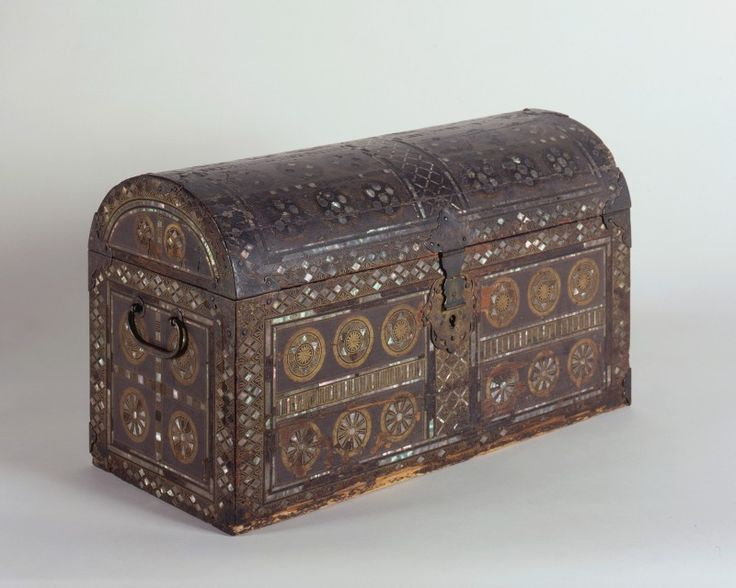 Namban Chest, mid-17th Century, Japanese, Lacquered wood , with gold and silver decoration, inlaid with mother-of-pearl, 33 x 56 x 26 cm