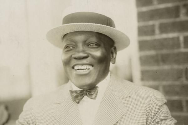 By United Press International On Dec. 26, 1908, Jack Johnson, with a 14th-round KO of Tommy Burns in Australia, became the first…