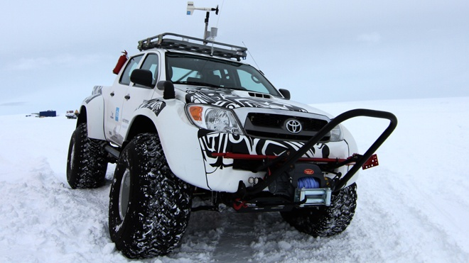 Toyota Hilux.4X4, Pickup Trucks, First Cars, Jet Fuel, South Pole, Roads Trips, North Pole, Toyota Hilux, Hilux Pickup