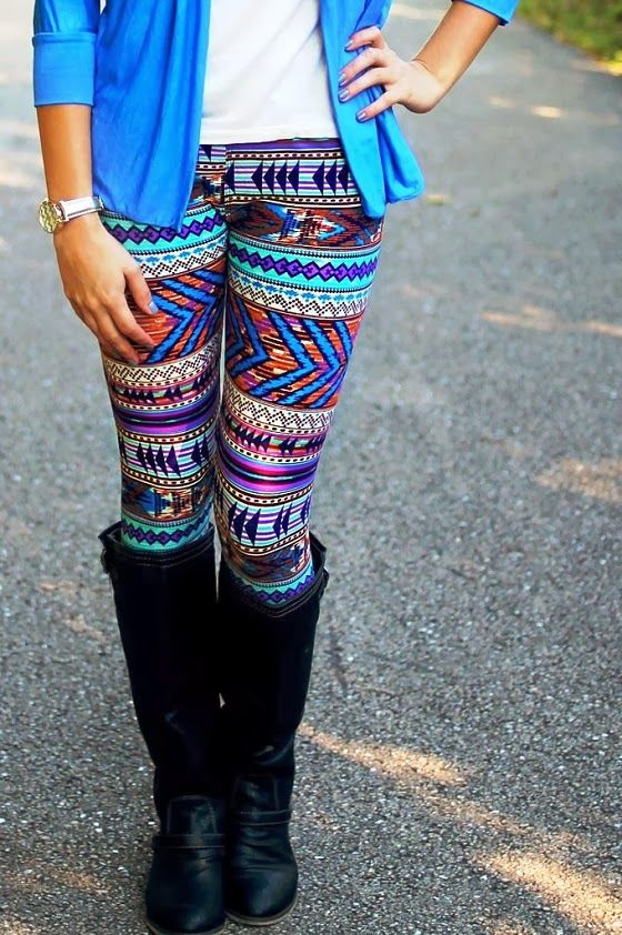 good outfits with patterned leggings