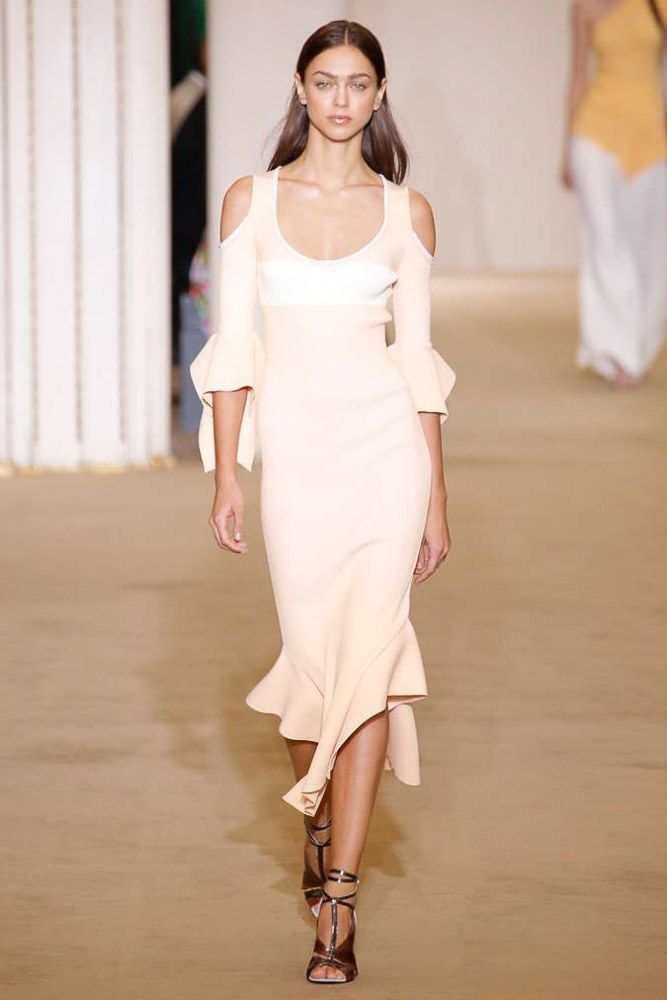 Roland Mouret | Spring 2017 Ready-to-Wear collection | RTW fashion | Cold shoulder dress | Ruffles