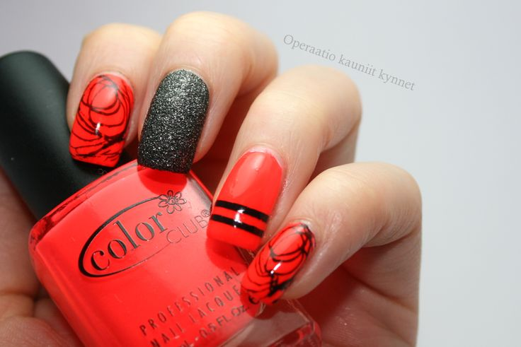 Essie - Blanc, Color Club - Lava Lamp, Orly - Black Pixel, Sally Hansen - Chain Mail with stamps (Pueen47)