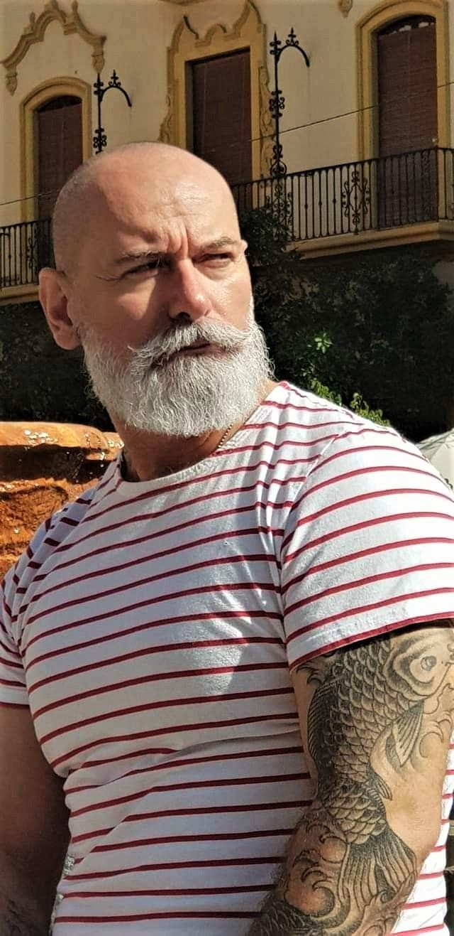 Pin By Alan Milroy On Beards Beard Styles Bald Bald Men With Beards Bald Men Style