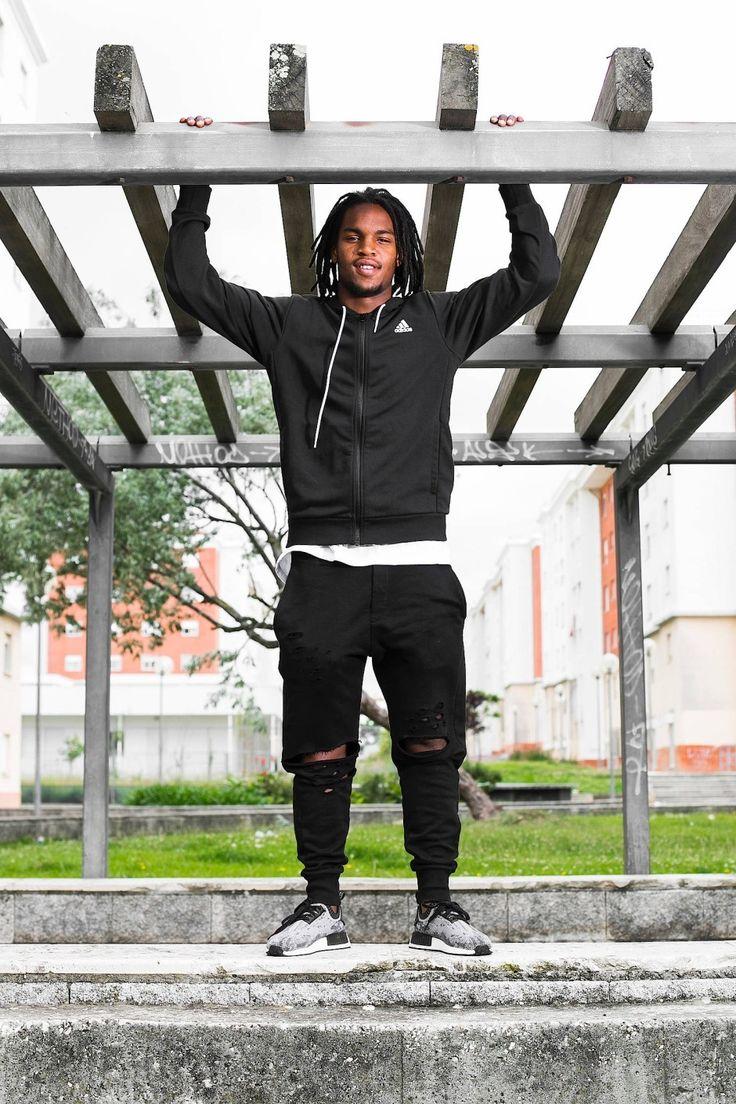 Mit 18 ist Renato Sanches der jüngste Spieler, der je im EM-Finale stand. Sein Werdegang aus dem Armenviertel Musgueira ist bemerkenswert. Kurios ist die Geschichte, wie der künftige Bayern-Spieler entdeckt wurde.
