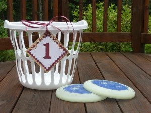 frisbee golf with laundry baskets