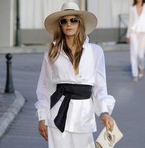 Женская белая рубашка шанель