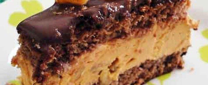 Torta mousse de doce de leite com nozes