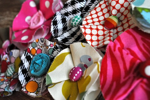 Great for gifts!Diy Ideas, Hairbows, Hair Clips, Fabric Flowers, Fabrics Flower Tutorials, Hair Bows, Hot Glue Guns, No Sewing Fabrics, Fabric Flower Tutorial
