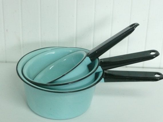 NICE Vintage Robin's Egg Blue Enamel Cookware Set, Matching Set of Three, Camping Enamelware Cookware - Vintage Travel Trailer Decor