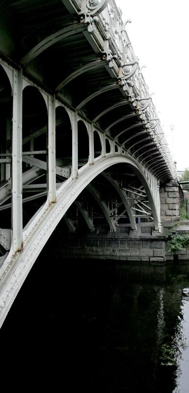 Hausmanns bro