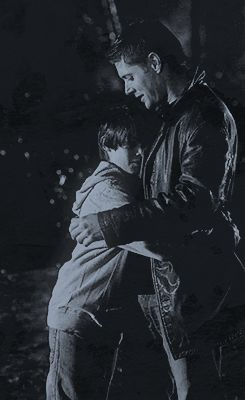[gif] - Sam and Dean - 5x16 Dark Side of the Moon. I haven't even seen it yet and my heart is already breaking