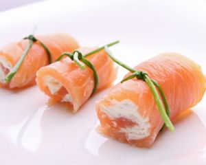 The 17 Day Diet Cookbook Recipe: Creamy Smoked Salmon Rolls