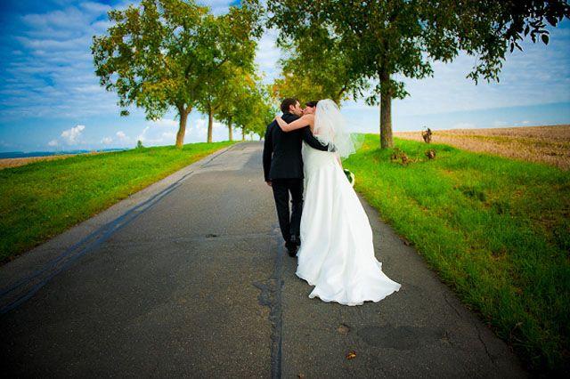 ΑΝΕΚΔΟΤΟ: Γιατί η νύφη φοράει λευκά…