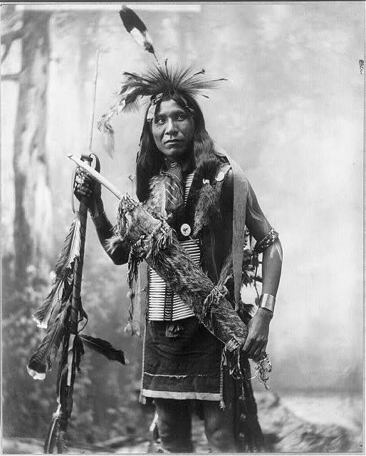 SMOKE EYES AND WATER — Eagle Shirt, Sioux - Heyn Photo - 1899 (picture #...