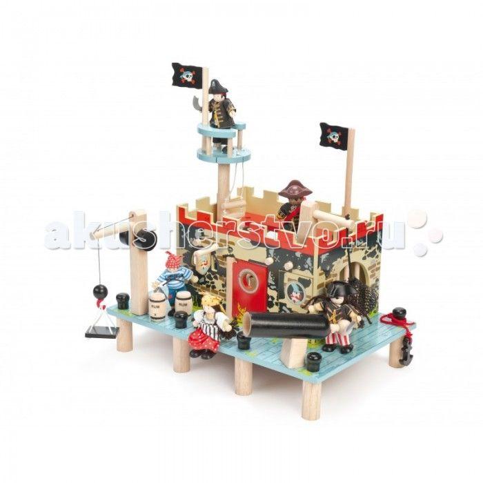 """LeToyVan Подарочный набор Большое пиратское сражение  Подарочный набор Большое пиратское сражение.  Деревянный пиратский корабль с парусами, пушками, снарядами, флагами и вороньим гнездом (50х19х48 см).   Пиратский форт с большим наборов аксессуаров, размером (400x260x370 см). Игровой коврик """"Пират"""", 150х100 см.   Набор из 3 пиратских кукол.  Деревянные игрушки для детей от 3 лет."""