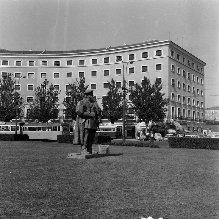 Artur Goulart, Areeiro (1961) AML,  Estátua do ex-Governador da Índia, D. Nuno da Cunha