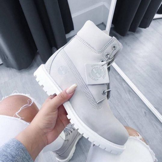 Vanessa with the Footasylum Exclusive Timberland Womens 6 Inch Premium Boot in Light Grey.