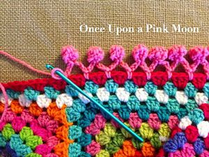 Pom Pom Edge :: Free #Crochet Edging Patterns!