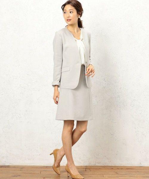 --green label relaxing | [手洗い可能/ブライトカルゼ] ◆CR Aライン スカート-- ◆シャープな印象のカルゼ素材を使用したセットアップシリーズ◆ 通勤用として大活躍間違いなしのセットアップスカートをご紹介。すっきりときれいなAラインシルエットは、女性らしい着こなしを演出します。繊細な綾目のカルゼ素材は、グリーンレーベル リラクシングのオリジナル。マットで落ち着いた表情が特徴です。セットアップでの着用はもちろん、お手持ちのトップス合わせも楽しめます。またご自宅で気軽に洗え干す際の型崩れを防いだり、気にせず洗える便利な一着。機能性をも兼ね備えたいちおしセットアップシリーズです。※34/42/44/46サイズは一部WEBストアでの限定展開サイズとなります。※こちらは同素材で、セットアップのジャケット(品番:3522-162-0977)、パンツ(品番:3514-162-1262)も展開しております。【シリーズ一覧はこちら】※照明の関係により、実際よりもやや明るく見える場合がございます。またパソコンなどの環境により、若干...