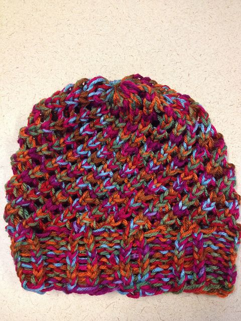 Knitting Loom Uses : Last minute slouchy hat by isela using round loom pattern