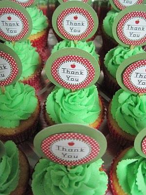 teacher cupcakes: Teacher Gifts, Cupcake Flavors, Gift Ideas, Teacher Cupcakes, 2014 Teacher, Cupcake Designs, Cupcakes 3, Cupcake Ideas, Teacher Cakes