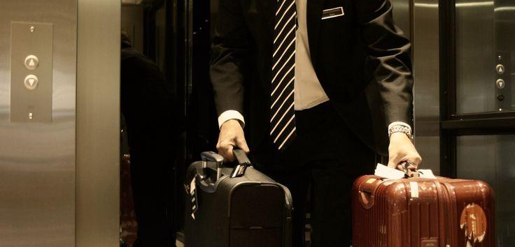 ROYAL RAVINTOLAT 3. artikkeli: Yrityspomo ryhtyi tavallisiin töihin – näin siinä kävi. Julkaistu 1.9.2014 katso lisää: http://royalravintolat.fi