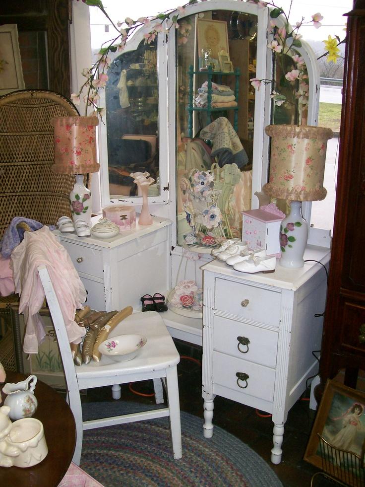 Nice Antique Vanity With Tri-fold Mirror. - 53 Best Vanity Images On  Pinterest - Antique Vanity With Tri Fold Mirror Antique Furniture