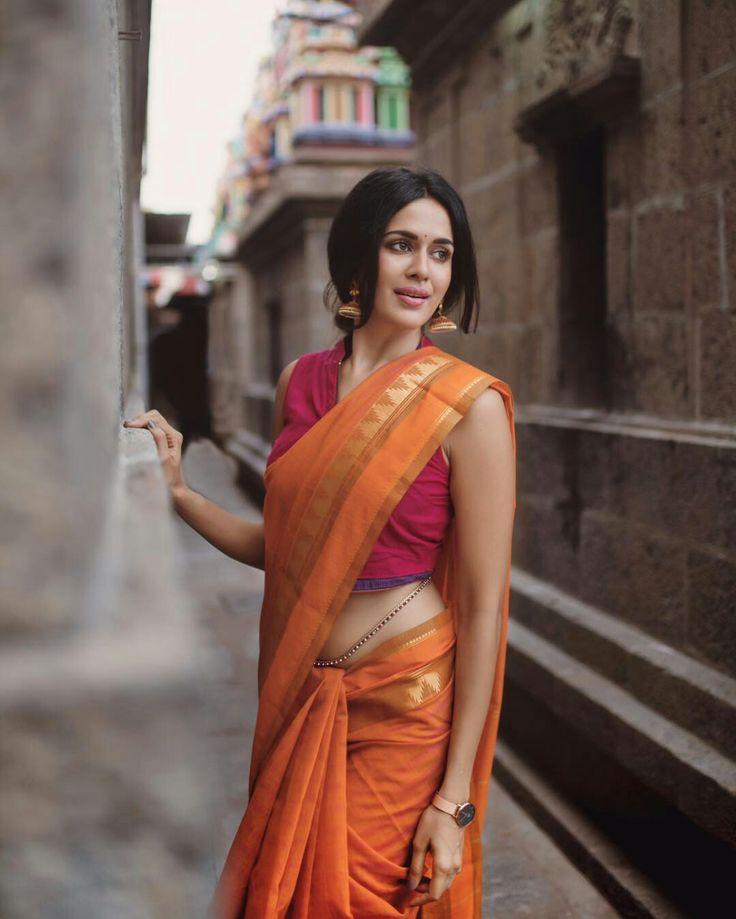Pranathi surya #sari #silksaree #saree #handloom #workinggirl #ethnic #tradition #wedding #magazine #ad #photoshoot #photography #teen #bride #bridalfashion #bridalcollection #shaadi #marriage #makeup #jewellery #ethnic