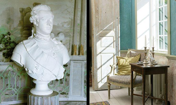 Katrinetorp landeri. Gustav III blickar ut mot trädgården. I förmaket står ett sengustavianskt sybord.