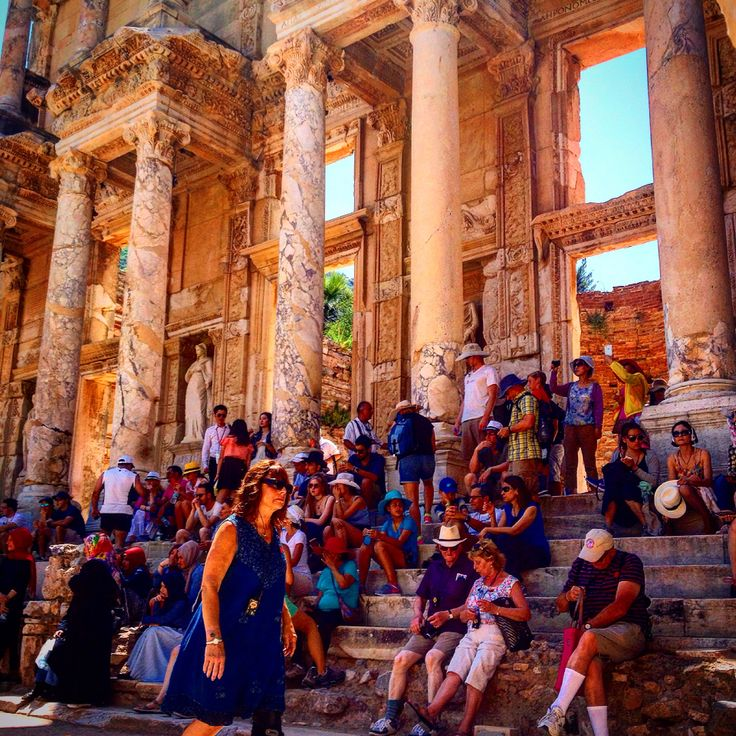 Library of Celsus in Ephesus, Turkey gives a chance to rest in a shadowy spot. Every day thousands of people take shelter on the seats of this timeless monument. Celsus Library still fascinates visitors coming to Ephesus from all around the world. Visit, enjoy and remember Ephesus with us! www.ephesustoursbylocals.com #ephesus #windstar #royalcarribean #roman #ruins #tour #turkish #turkey #izmir #istanbul #privatetour #princesscruises #ancient #amazing #azamara #selcuk #silvercruises…