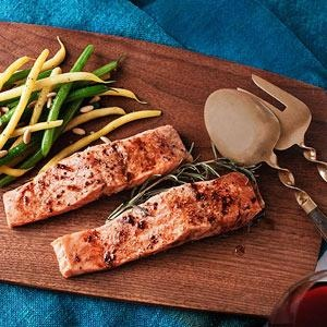 Roasted Salmon with Mom's Sauce: Seafood Recipes, Fish Recipes, Roasted Salmon, String Beans, Pine Nut, Rachael Ray, Favorite Recipes, Salmon Recipes, Mom Sauces