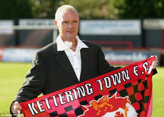 Kettering Town had to bus local journalism students down to feed Paul Gascoigne's ego there