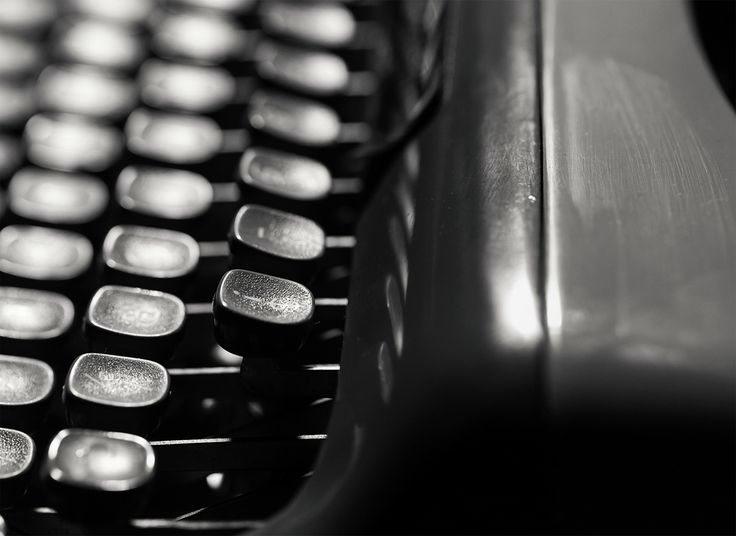 An homage to the typewriter :: http://l.ctx.ly/r/xrim :: #PersolTypewriter