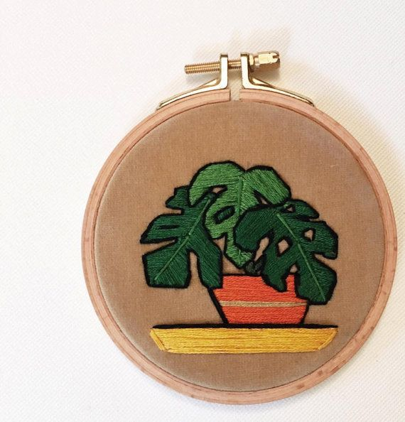 Design: Mini Monstera Deliciosa  Wooden Hoop Dia: 11 cm. (4.3)  - Front. Matte Beige Velvet - Back. Red Striped Fabric - Cotton thread - Handstitched  If you have any questions, please do not hesitate to contact me here on Etsy.  @casnac.embroidery on Instagram Casnac Embroidery on Facebook  CASNAC © 2016 All Rights Reserved