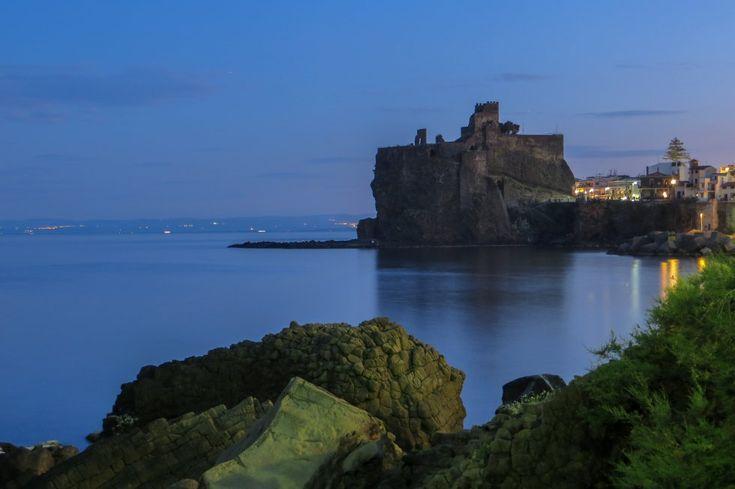 La cittadina prende il nome dal castello, è la sua storia coincide con quella del castello di Aci. La passeggiata si affaccia a strapiombo sul mare. Meta estiva, dove passeggiando e gustando i famosi gelati siciliani, si gode di una vista mozzafiato sul mare di un azzurro cobalto.