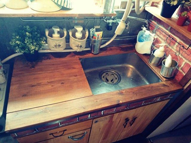 築30年のステンレスキッチンをロッジ風カフェ系キッチンへ簡単diyリノベーション Limia リミア ステンレスキッチン キッチン Diy ロッジ風