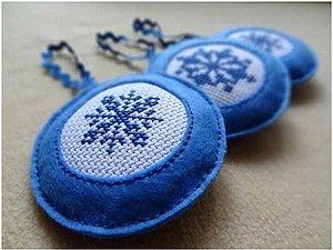 Елочные игрушки из фетра с вышивкой.   Ярмарка Мастеров - ручная работа, handmade