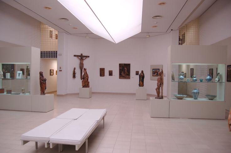 El Museo Gómez-Moreno es nuestro lugar de trabajo. Su arquitectura con la luz cenital, lo hacen un lugar único. #MuseumWeek