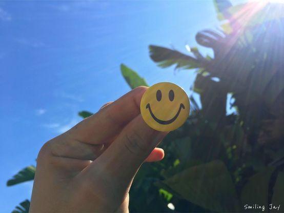 Choose Happiness Blog. blogger. smile. keep smiling. writing. inspiration. writer. photographer. smiley face. pin. badge. blogging.
