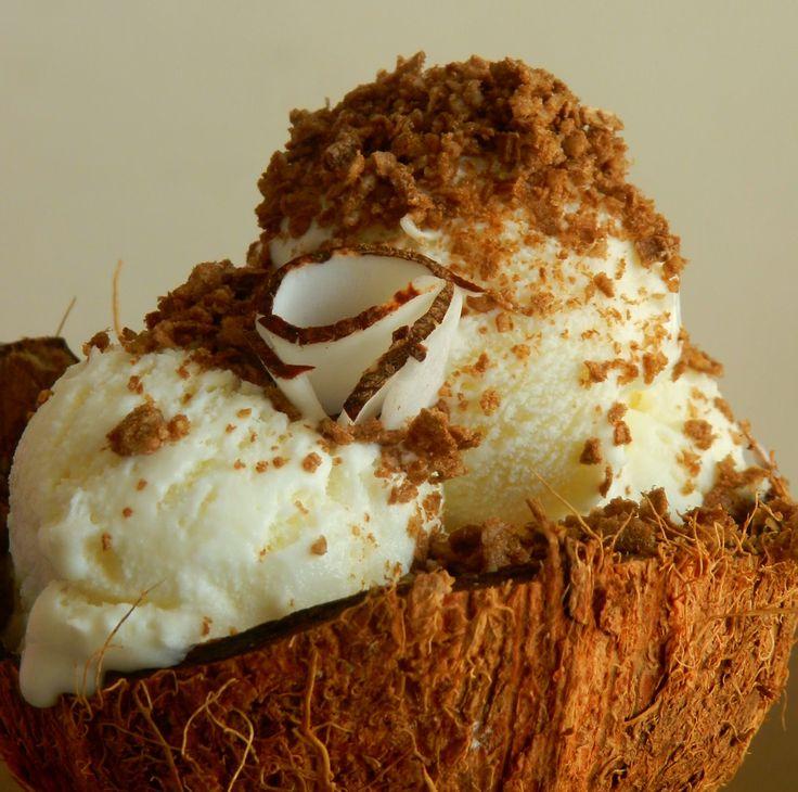 Pitadinha: Sorvete caseiro de coco com farofa