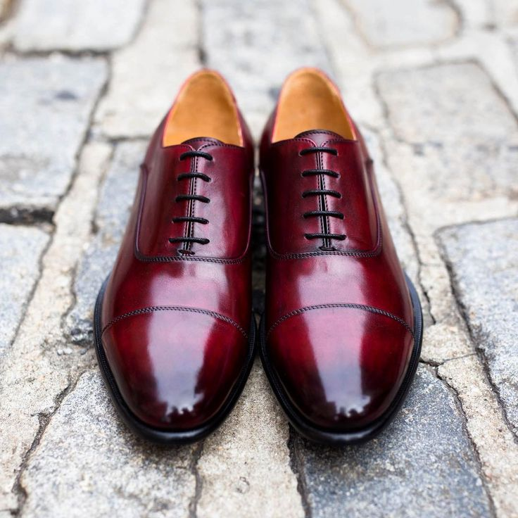 Ready to experience handmade luxury Italian footwear? Step into the Cagney II stitched cap-toe oxford and discover why Italy is world renowned for its footwear. Available in our signature oxblood color, the Cagney II is guaranteed to turn heads. Shoppaulevansny.com and enjoy FREE Fedex international shipping or visit our guide shop at 35 Christopher Street!